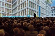 Die Luzerner Kantonalbank konnte im ersten Halbjahr 2016 den Konzerngewinn gegenüber 2015 nicht steigern. Im Archivbild: Eine Generalversammlung der Luzerner Kantonalbank. (Bild: Pius Amrein / Neue LZ)