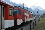 Ein Zug verlässt den Bahnhof Dallenwil in Richtung Engelberg. (Bild: Matthias Piazza/Neue NZ)