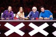 Die Jury: DJ Bobo, Christa Rigozzi, Gilbert Gress und Sven Epiney (von links). (Bild: SRF / Oscar Alessio)