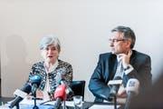 Der Vorschlag der Luzerner Regierung für eine unabhängige Beschwerdestelle stösst auf unterschiedliche Resonanz. Im Bild: Regierungsräte Yvonne Schärli und Guido Graf. (Bild: Roger Grütter / Neue LZ)