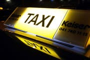 Taxi Keiser Zug (Bild: Werner Schelbert, 9. Januar 2017)