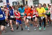 Läufer starten zur Zugerberg-Classic. (Archivbild Christof Borner-Keller / Neue ZZ)