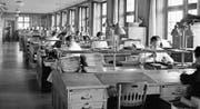 Seit hundert Jahren ist die Suva nun in Luzern (Bild: Suva-Büros, aufgenommen im Jahr 1943). (Bild: Keystone (Luzern, 1943))