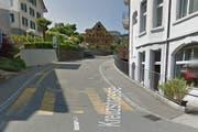 Dieser Zaun auf Höhe Kreuzstrasse 2 in Weggis wurde beschädigt. (Bild: Google Maps)