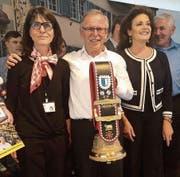 Franz Stadelmann mit seiner «Lieblings-Messemitarbeiterin» Renate Ulrich (links) und Volksmusikstar Monika Kälin (rechts). (Bild: Anja Glover)