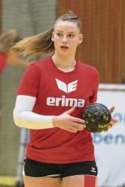 Die Zugerin Charlotte Kähr rüstete sich am Master Cup für einen starken Auftritt. (Bild: Christian H.Hildebrand (Zug, 13. Januar 2018))