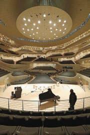 Blick in den grossen Konzertsaal der Elbphilharmonie. (Bild: Getty (4. November 2016))