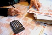 Der Steuerfuss könnte in einigen Luzerner Gemeinden den bisherigen Maximalwert von 2,40 Einheiten bald übersteigen. (Bild: Archiv/Neue LZ)