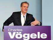 Der Chef von Charles Vögele, Markus Voegeli, muss erneut einen Halbjahresverlust verkünden. (Archiv) (Bild: KEYSTONE/WALTER BIERI)