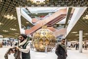 Es weihnachtet in der Mall – sicher auch zur Freude ausländischer Touristen. (Bild: Nadia Schärli (Ebikon, 20. November 2017))