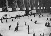 In den 1920er-Jahren wurde die Luftschiffhalle Tribschen als Eisfeld genutzt. (Bild: Stadtarchiv)