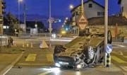 Die Unfallstelle in Ballwil am frühen Mittwochmorgen. (Bild: Luzerner Polizei)