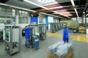 Blick in die Produktionshalle von Belimed, einer Tochtergesellschaft von Metall Zug. (Bild PD)