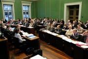 Der Zuger Kantonsrat während einer Sitzung im Januar 2012. (Bild: Christof Borner-Keller/Neue ZZ)
