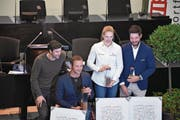 Ruderer Mario Gyr (von links) und die Geehrten: Marcel Hug, Géraldine Ruckstuhl und Michael Schmid. (Bild: Martina Odermatt (22. Februar 2018))