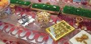 Reicher Gabentisch: Die Schweizer Schoggi ist eher neu im Iran, gehört aber mittlerweile auch zum Nowruz, dem Frühlingsfest der Iraner. 300 Millionen feiern das «neue Jahr» – analog «Ostern» im christlichen Kalender, teilweise mit denselben Symbolen.