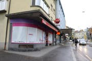 Das Lokal an der Maihofstrasse 34 steht seit Ende März leer. Nun steht fest: Anfangs 2018 soll wieder gekocht werden. (Bild: Oliver Schneider)