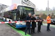 VBL-Direktor Norbert Schmassmann, Stadtrat Adrian Borgula und Verkehrsverbund-Geschäftsführer Daniel Meier bei der offiziellen Eröffnung (v.r.) (Bild: pd)