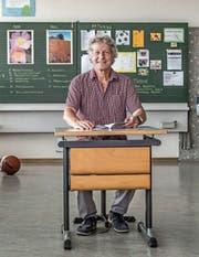 Lehrer Osi Sager in «seinem» Schulzimmer in Eschenbach. (Bild: Nadia Schärli (21. Juni 2017))