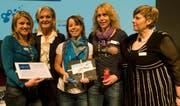 Die «Traumfrauen 2010»: Sonja A. Buholzer (2.v.l.) und Monica Cescutti (r) mit den Gewinnerinnen der Traumreise Andrea Roder, Brigitte Dörig und Daniela Siegwart. (Bild pd)