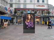 Die Fotomontage zeigt das geplante Digital-Plakat am Schwanenplatz in Luzern. (Bild: Clear Channel)