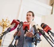 Lässt seine Konkurrenz alt aussehen: Sebastian Kurz. (Bild: Michael Gruber/Keystone (Wien, 14. Juli 2017))