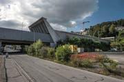 Das Südportal des Sonnenbergtunnels in Kriens mit der Grosshofbrücke. Bild: Nadia Schärli (6. September 2016)