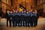 Die Polizisten bei der Feier in Flüelen. (Bild: pd)