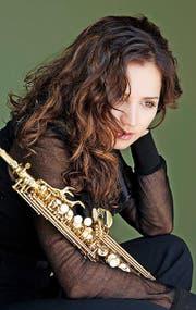 Saxofonistin aus der Ukraine: Asya Fateyeva. (Bild: Neda Navaae / PD)