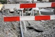 Die Bauarbeiten führen zu Verkehrsbehinderungen. (Bild: Archiv / Neue LZ)