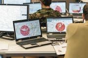 Das Netz als Kriegsschauplatz: Die Bedrohung durch Cyberangriffe nimmt zu. (Bild: Christian Beutler/Keystone (Kriens, 13. November 2013))