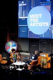 Hannes Hug im Gespräch mit Lianne La Havas im Auditorium des KKL. (Bild Corinne Glanzmann)