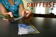 Die Zentralschweizer Raiffeisenbanken machten einen deutlichen Gewinn (Symbolbild). (Bild: Keystone)