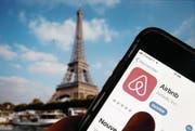 Auf Airbnb sind für Paris 6 (Bild: Getty)