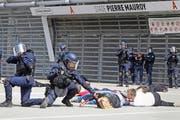 Die Polizei, das Militär und Rettungskräfte haben sich in Frankreich auf verschiedenartige terroristische Anschläge vorbereitet. (Bild: AP/Michel Spingler)