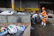 Plastikabfälle sind bei den Urner Recyclingbetrieben zurzeit äusserst begehrt. (Bild: Urs Hanhart / Neue UZ)