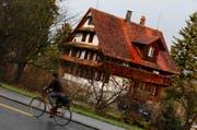 Das Bauernhaus an der Schochenmühlestrasse 2 in der Stadt Zug. (Bild: Stefan Kaiser / Neue ZZ)