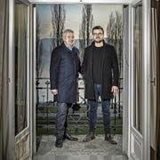 Besitzer Peter Kiener (links) und Pächter Manuel Berger auf einem Balkon im «Beau Séjour». (Bild: Pius Amrein (Luzern, 5. Dezember 2017))