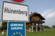Die Ortseingangstafel der Gemeinde Hünenberg. (Bild: PD/zg.ch)