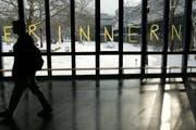 Bereits 2005 wurde an den Luzerner Schulen (im Bild die Kantonsschule Alpenquai) das Erinnern an den Holocaust grossgeschrieben. (Archivbild Esther Michel/Neue LZ)