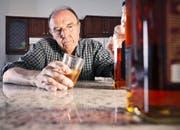 Die Pensionierung ist eine kritische Lebensphase, die in eine Sucht führen kann. (Symbolbild Getty/Chris Fertnig)