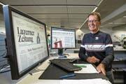 Alex Amberg an seinem Arbeitsplatz an der Maihofstrasse 76 in Luzern. (Bild: Philipp Schmidli (31. August 2017))
