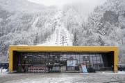 Die Talstation im Schlattli. (Bild: Urs Flüeler / Keystone (Schwyz, 16. Dezember 2017))