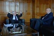 Streitgespräch: Christoph Blocher, Alt-Bundesrat und SVP-Chefstratege (links) gegen Pascal Couchepin, Alt-Bundesrat (FDP). (Bild: SELWYN HOFFMANN)