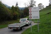 Die Wiesenbergstrasse, hier in Dallenwil, wird saniert. (Bild Martin Uebelhart)
