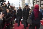Die Kantonsräte Adrian Nussbaum (CVP, links) und Josef Schnider (SVP) auf dem Weg zum Parlament. (Bild: Dominik Wunderli (Luzern, 4. Dezember 2017))