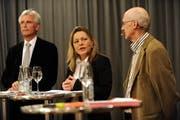 Markus Stadler, Heidi Z'graggen und Alf Arnold (von links) aum Podimsgespräch. (Bild Angel Sanchez/Neue UZ)