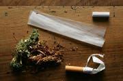 Die BDP der Stadt Luzern will sich am Cannabis-Projekt anderer Schweizer Städte beteiligen. (Bild: Keystone / Alessandro Della Bella)