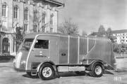 Das waren noch Zeiten: Ab 1953 war der Rücklader mit hydraulischer Pressvorrichtung unterwegs. (Bild: pd)