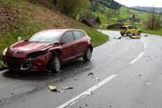 Die Autos kollidierten frontal. (Bild: Luzerner Polizei)